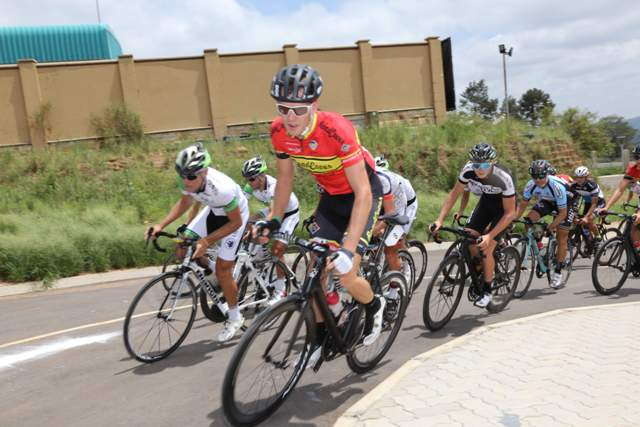 JC Nel (left) and Stuart Fitzpatrick lead the peloton during the first leg of the ProTouch Cycling Club National Criterium Series. Photo: Rika Joubert