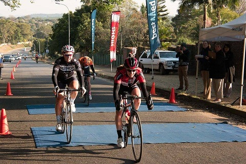 Carla Oberholzer (second overall) leading the bunch during today's Bestmed Jock Classique. Photo: Memories4U Photography.