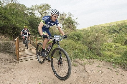TIB Insurance's Andrew Hill charges to victory during his debut appearance at the Scottburgh MTB Race. Photo: Anthony Grote