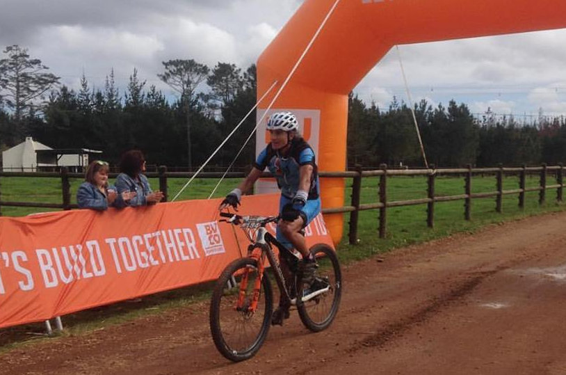 Robert Sim won the men's solo race on stage three of Dr Evil Classic in Plettenberg Bay today.