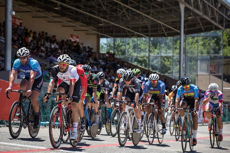 Riders were aplenty at the Paarl Boxing Day. Photo: Owen Lloyd