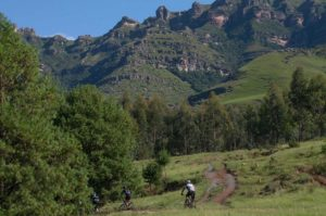 An image of the mountain scenery during stage one of the 2018 Drak Descent.