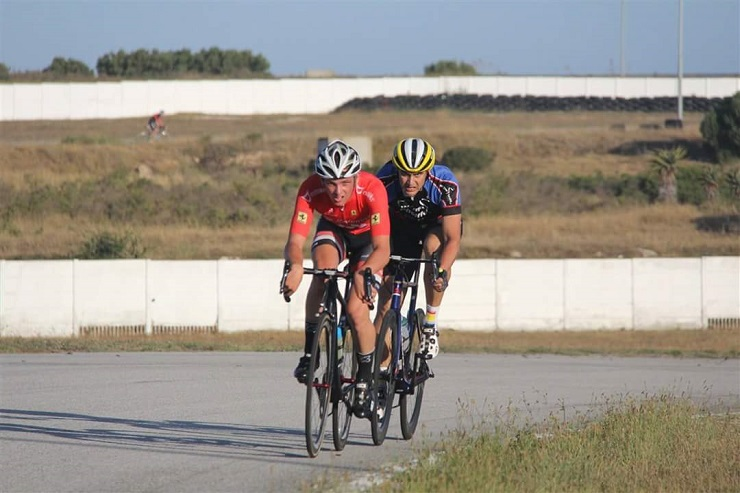 Rainhardt Marais leading a sprint in the criterium track race at the Festival of Cycling. Photo: Supplied