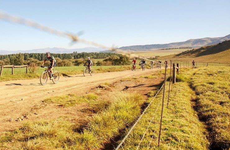Brandon du Plessis and Jaco van Vuuren won the 99km second stage of the sani2c Trail today. Photo: sani2c
