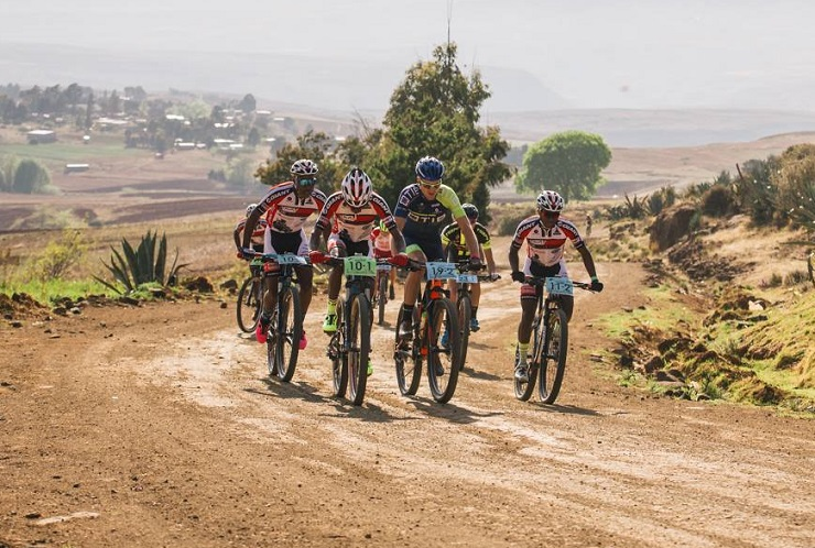 Tumelo Makae and Phetetso Monese claimed victory on the 56km fourth stage of the Lesotho Sky today. Photo: Wayne Reiche/Lesotho Sky