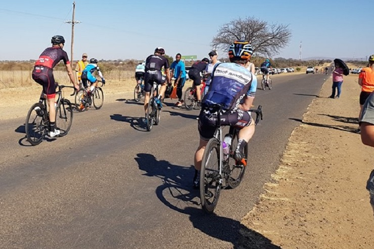 Jacques Greef and Linda Fouche won the respective men's and women's 102km feature of the Sondela Cycle Derby road race at Bela-Bela today. Photo: facebook.com/SondelaNatureReserve/photos
