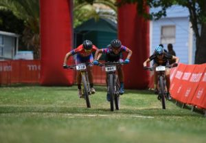 Yolande de Villiers (centre), Samantha Sanders (left) and Jennie Stenerhag gunning for the line at the Attakwas Extreme. Photo: ZC Marketing Consulting