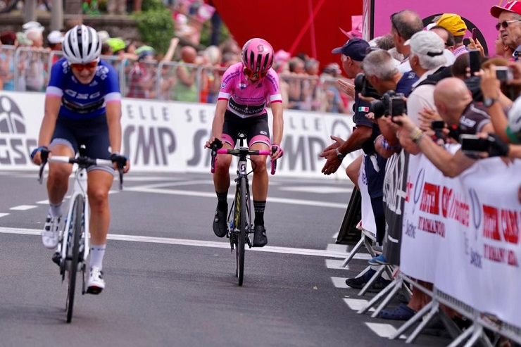 Annemiek van Vleuten kept the maglia rosa on stage seven of the Giro Rosa