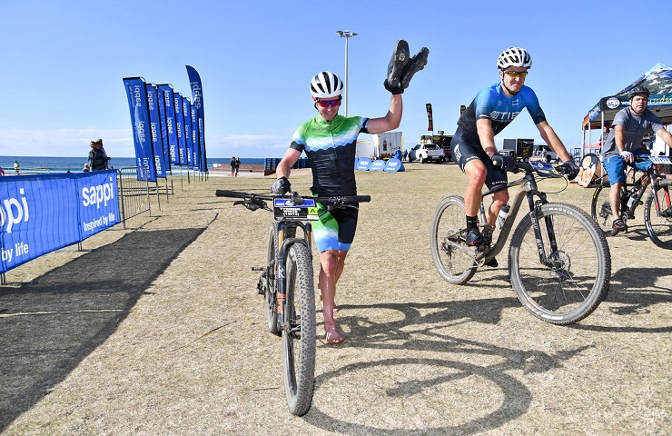 Tyronne White (left) and Andrew Hill crossed the finish line together in the Scottburgh MTB Classic