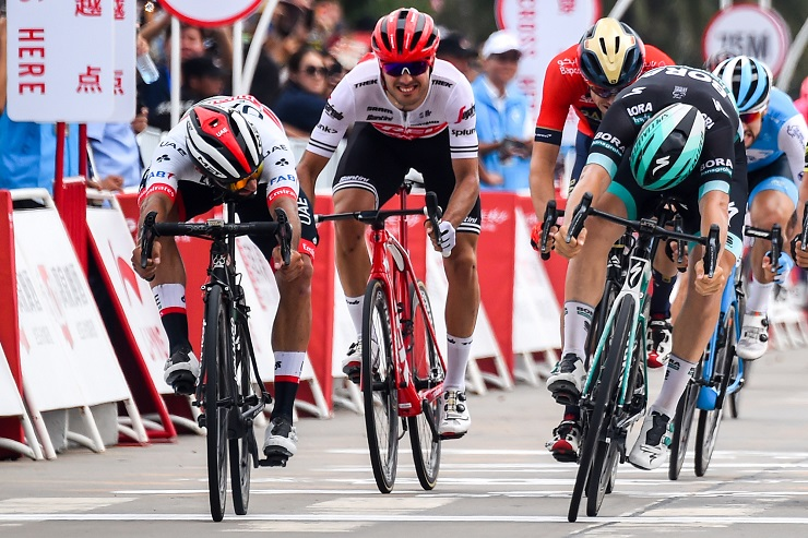 Fernando Gaviria (left) won stage one of the Tour of Guangxi