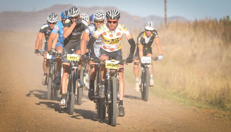 Jaco Venter and Jacques Janse van Rensburg will dust off their mountain bikes as they prepare to compete in numerous events as the First Move team