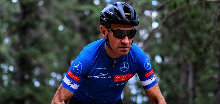 Ultra-endurance cyclist and cancer survivor Grant Lottering will tackle a non-stop 24-hour ride on the Swartberg Pass to raise funds for the Reach For A Dream foundation.