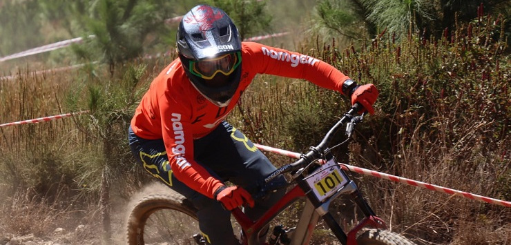 Five-time national downhill mountain bike champion Johann Potgieter has been forced to readjust his goals and plans due to the international travelling ban.
